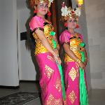Balinese dancers come to Yudhistira
