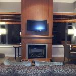 Deluxe Suite, Living room