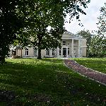 Kau Manor