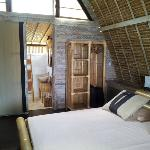 Bungalow - comfortable bed, nicely decorated room