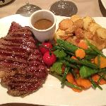 Steak with peppercorn sauce, roasted potatoes and  veggies...excellent!