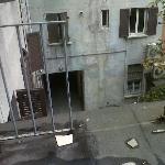 terrazzo della camera senza un pezzo di parapetto