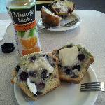 blueberry muffins.. soooooo gooood!!