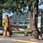Blick vom Park auf das Motel