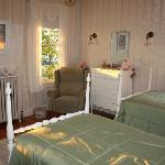 Zimmer mit 2 getrennten Betten - Bad über Flur erreichbar