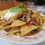 Nachos with sour cream & avocado