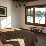 Upper bed room with lake view - beautiful