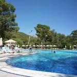 Trés belle piscine à l'hotel