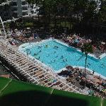 Next doors pool - riu waikiki