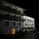 Hotel bij avond