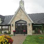 Vineland Estates Winery, Restaurant entrance