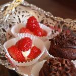 Yummy Tarts & cakes