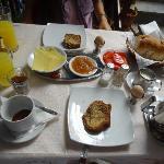 la super colazione con prodotti locali, consigliatissima!