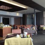Salle de restaurant avec une vue magnifique...