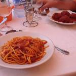 Spaghetti alla Matriciana e Polpette al sugo.