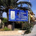 L'insegna dalla statale che attraversa Castel di Tusa