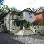 Photo of Ellis House Bed and Breakfast