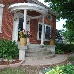 The Parent FarmHouse Bed & Breakfast