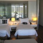 Großes und helles Zimmer