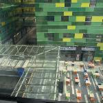Vue de la chambre sur le centre commercial