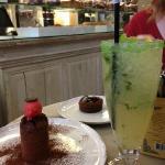 Coulant au chocolat (classique mais très bon) et Granité au citron (excellent!!!)