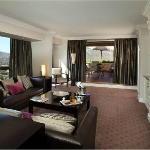 Flamingo Suite Lounge