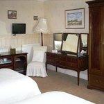 Caddam Wood room (family room)