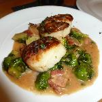seared scallops with brussels sprouts