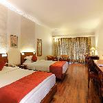 โรงแรม ดิ อเวนิว รีเจนท์