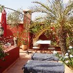 Une terrasse,vous apportera fraicheur et détente à l'abris de tout regard.