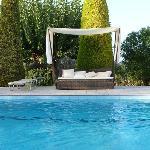 Superbe piscine à côté du potager