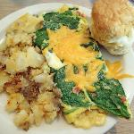 make my own omelet of spinach, tomato and cheddar
