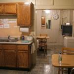 共用キッチン、自由に使えて便利。