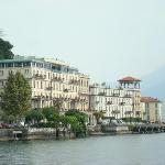 Hotelansicht vom Comer See aus.
