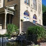 Victoria Playhouse Petrolia / Town Hall Entrance
