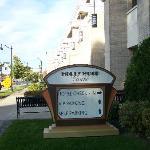 Entrée de l'hôtel sur Main Street