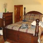 Master bedroom has a queen-size bed that was mmm..comfy! The bathroom is adjacent - and doorless