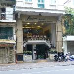 Entrance to Anise Hotel