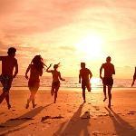 BEACH FUN UNDER THE SUN 10- 15 MINUTES APPROX