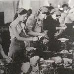 le donne si occupavano dell'inscatolamento del tonno
