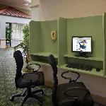 guest computer in lobby
