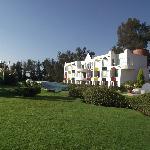 vista de el hotel desde los jardines