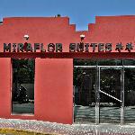 Entrada a Miraflor Suites