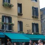 L'hôtel depuis la place Saint-Marc