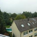 Blick von Dachterrasse auf Mietshäuser