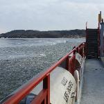Merrimac Ferry going through ice Dec 2011