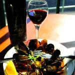 Curried Mussels - Garlic and Red Wine Sauce