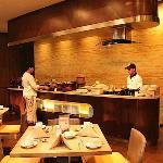 Restaurant - Santika Pandegiling