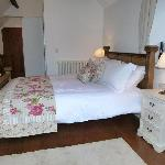 The Garden room has a kingsize bed with ensuite facilities newley refurbished