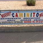 Publicidad en valla de la gasolinera.